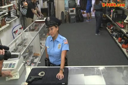 Tubidy porno police mp4 avec perles aux reins