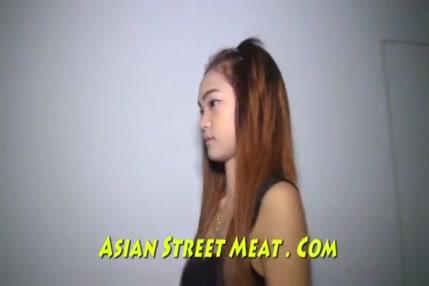 Porno gays noir tongolais avec long penir noir