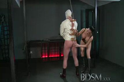 Porno xxx lhomme piss dans la bous de femme